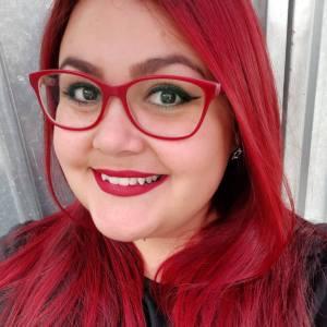 eu-tatiane-gimenes-escritora-blogueira